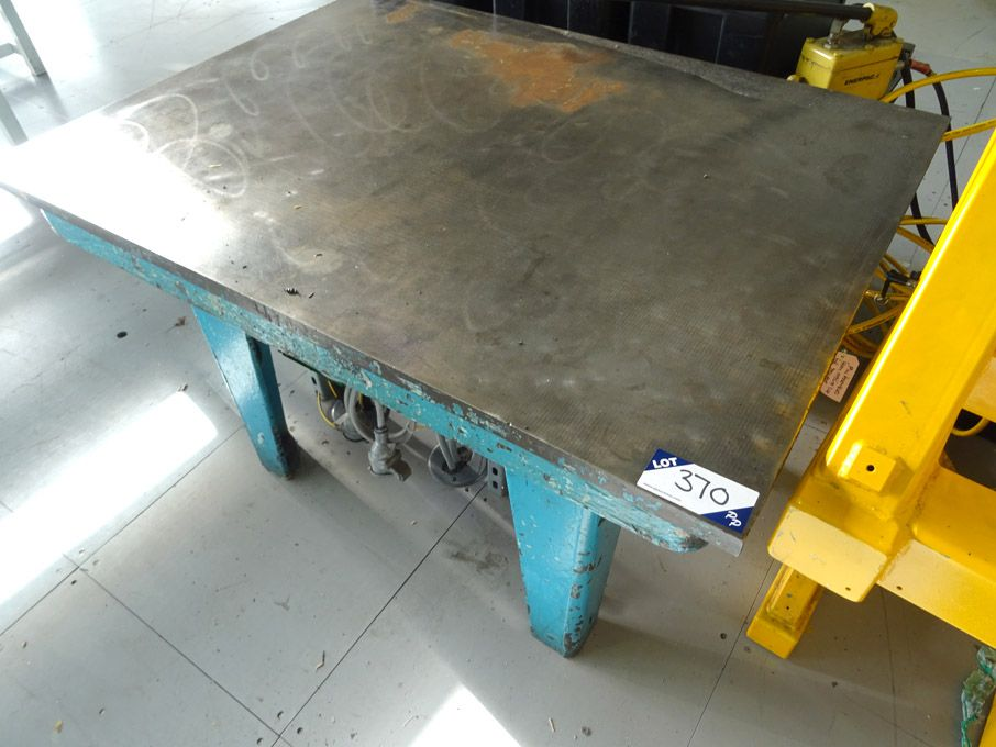 "48x36"" CI surface table"
