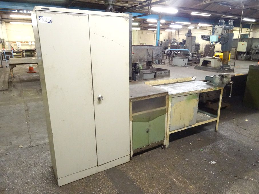 1220x610mm metal workbench with Record No23 bench...